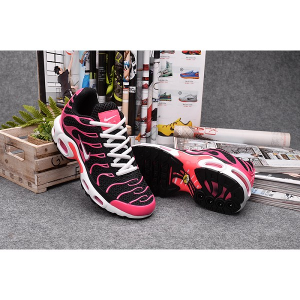 92b38fdf6c0f9c Nike Air Max TN women s shoes black red