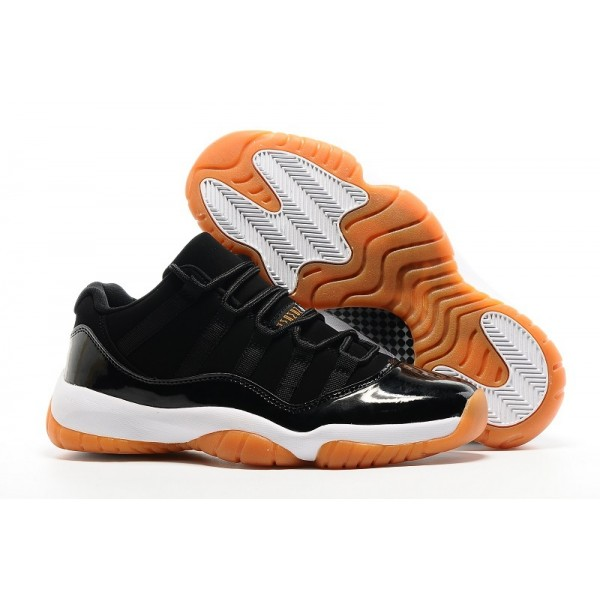Nike Air Jordans Retro Black / Orange